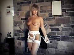 DA YA THINK I'M SEXY? - vintage striptease dance performance