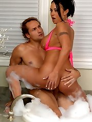 Hot big booty big tits mariah masterbates in the tub then gets her juicy box rocked in this hot wet pic set