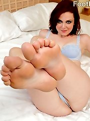 Emma is ready to give her man a footjob like he has never had. She strokes is hard cock back and forth with her prefect feet before letting him fill her pussy with his huge cock. When he's finally ready to blow his load, she begs him to cum all over her pretty toes.