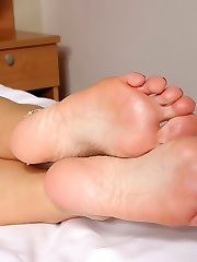 stacy silver showing hot feet