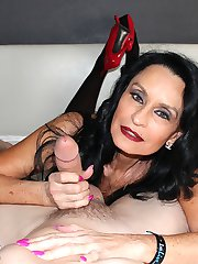 Rita Daniels Fantastic Fan Milking - MILF and Mature Handjob Videos Over 40 Handjobs