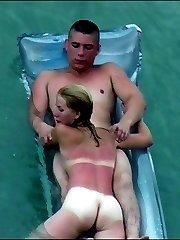 Young chick sucks off her boyfriend in the sea