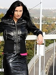 Sexy vixen shows her large bazongas in public - publicsexadventures.com