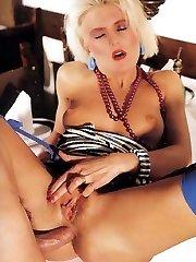Blondie in retro stockings