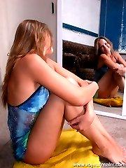 Amateur hottie shows her new black underwear