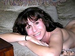 Amateur Soccer Mom Modeling Nude - Sage Model