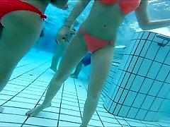 szexi ázsiai, tini lányok szép feneket a medence