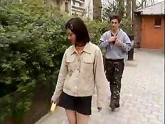תלמיד קוריאני מזיין המערבי הזין -1