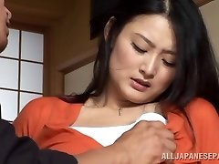 Housewife Risa Murakami toy torn up and gives a oral pleasure