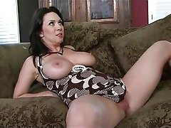 Mom gets a good creampie