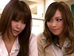 Cornea ragazza Asiatica Seduce Insegnante Lesbica