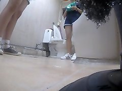 fata coreeană folosind toaletă partea 5