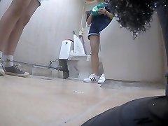 Korean girl using wc part Five