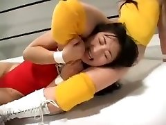 Japanese gals grappling