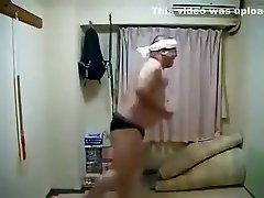 ארוטי חרמנית יפנית זכר לרקוד