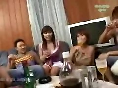 יפנית מסיבת חילופי זוגות