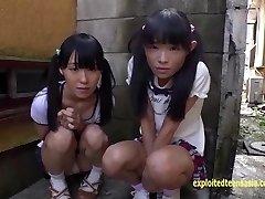 פטיט Jav נוער תלמידות בית ספר רינה ו אסאמי לתת לציבור מציצה וזין