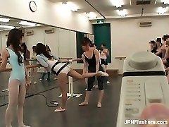 עם שיער כהה אסיאתית זונה רוקדת בלט part5