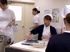 Pazzo Giapponese puttana Aya Sakuraba, Yuri Aine, Yu Kawakami nella Cornea Handjobs JAV clip