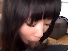Yumi Tanaka borotvált puncit, majd elbaszott