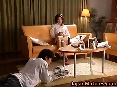 Pohoten japonski mature bejbe sesanju
