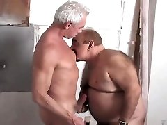Meeting a Sizzling Chub Grandpa Late in the Douche.