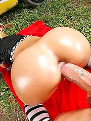 Ultra-kinky jada and her sexy ass cuise up on this atv for a super hot pussy pounding video fuck in these 4 vids