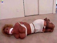 Sammi bound for pleasure