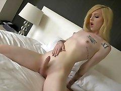 Ts Annabelle Lane cute ash-blonde, sumptuous feet, masturbation