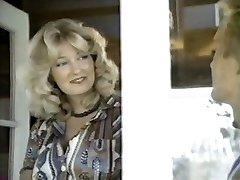 여성의 얼굴을 1(1977)가득 차있는 빈티지 영화
