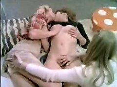 teenage lesbos