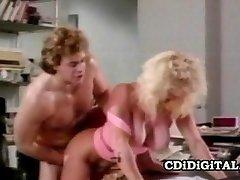 ברנדי בוסוורת ' - Bustillicious רטרו קוגר המשרד סקס