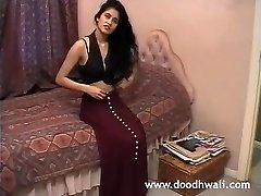 British Indian Girl Shabana Kausar Retro Porno