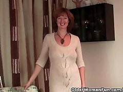 Red-haired Milf Gets Her Wet Mature Vag Finger Fucked By Photographer