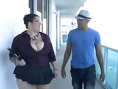BBW realtor with galsses fucks her client