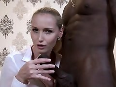 Hot-girl-cuckold-and-cumshot