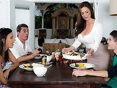 Kendra Enthusiasm & Jordi El Nino Polla in Kendras Thanksgiving Slamming - Brazzers