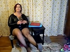 Killer Mature BBW Try On Naughty Halloween Costumes and Heels