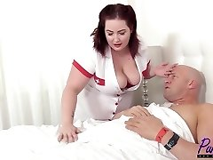 nurse Eliza revitalizes the lollipop