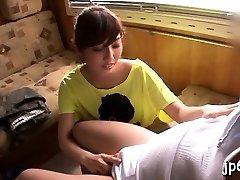 Verejné blikajúce tým, playgirl odhaľuje veľké prsia a mokré crack