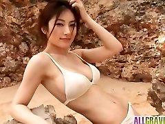 Kumada Yoko huge-boobed is romantic in nature