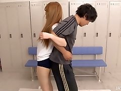 Treinamento físico transforma-se em trio bonito Asian chick