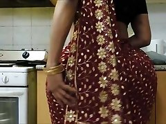 Indian bhabhi's Big ass 2