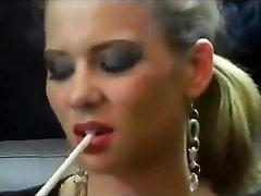 Smoking blondie - 1