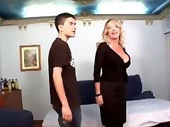Giant dicked boy shags ultra milf
