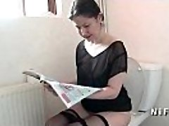 Amateur french mom seduces man and gets her backside nailed