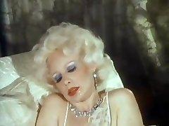 American Classic - Blonde rich bitch