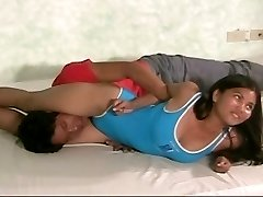 damsel wrestling