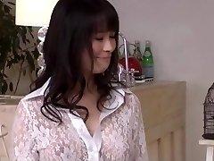 Kyouko Maki har kuk dypt i henne frisk fitte