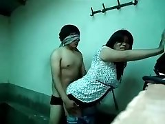 Guy lovemaking with aunty